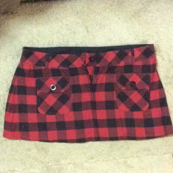 uo Dresses & Skirts - Plaid red/black mini skirt size 13